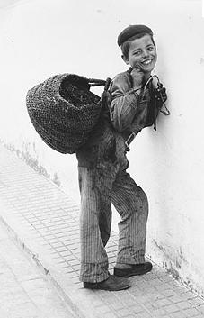 Francesc Català-Roca, Carbonerillo, Vejer de la Frontera, 1959. Foto: Archivos fotográficos de Cataluña