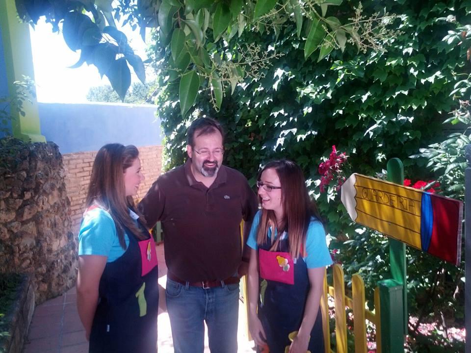 En el País de los Cuentos con María José (derecha) y Ana (izquierda)